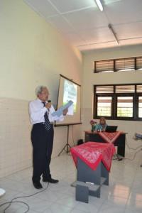 pembacaan SK oleh Prof Fanani Wakil Dekan III